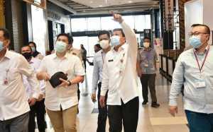 Sekda Kabupaten Tangerang Moch. Maesyal Rasyid Saat Melakukan Pengecekan Persiapan Pembukaan Aeon Mall BSD. (Foto/Diskominfo Kabupateng Tangerang)