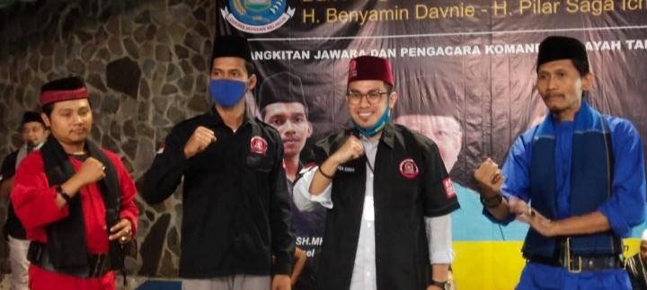 Komandan Wilayah Bang Japar Tangsel Ferry Irawan, SH.MH Bersama Pilar Saga Ichsan. (Foto/GFY)